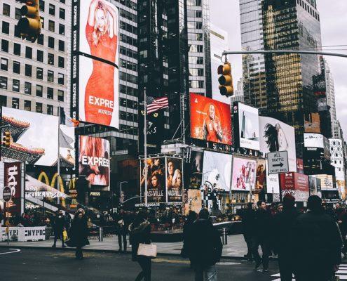 Digital Billboards vs Traditional Billboards